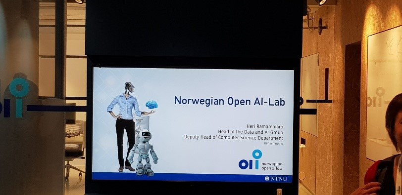 Photograph of Heri Ramampiaro's presentation on the Norwegian Open AI-Lab at EUNIS19